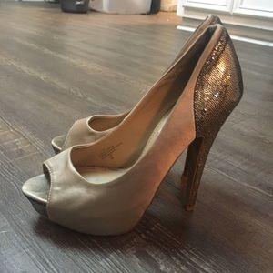 Steve Madden peep toe pumps size 7